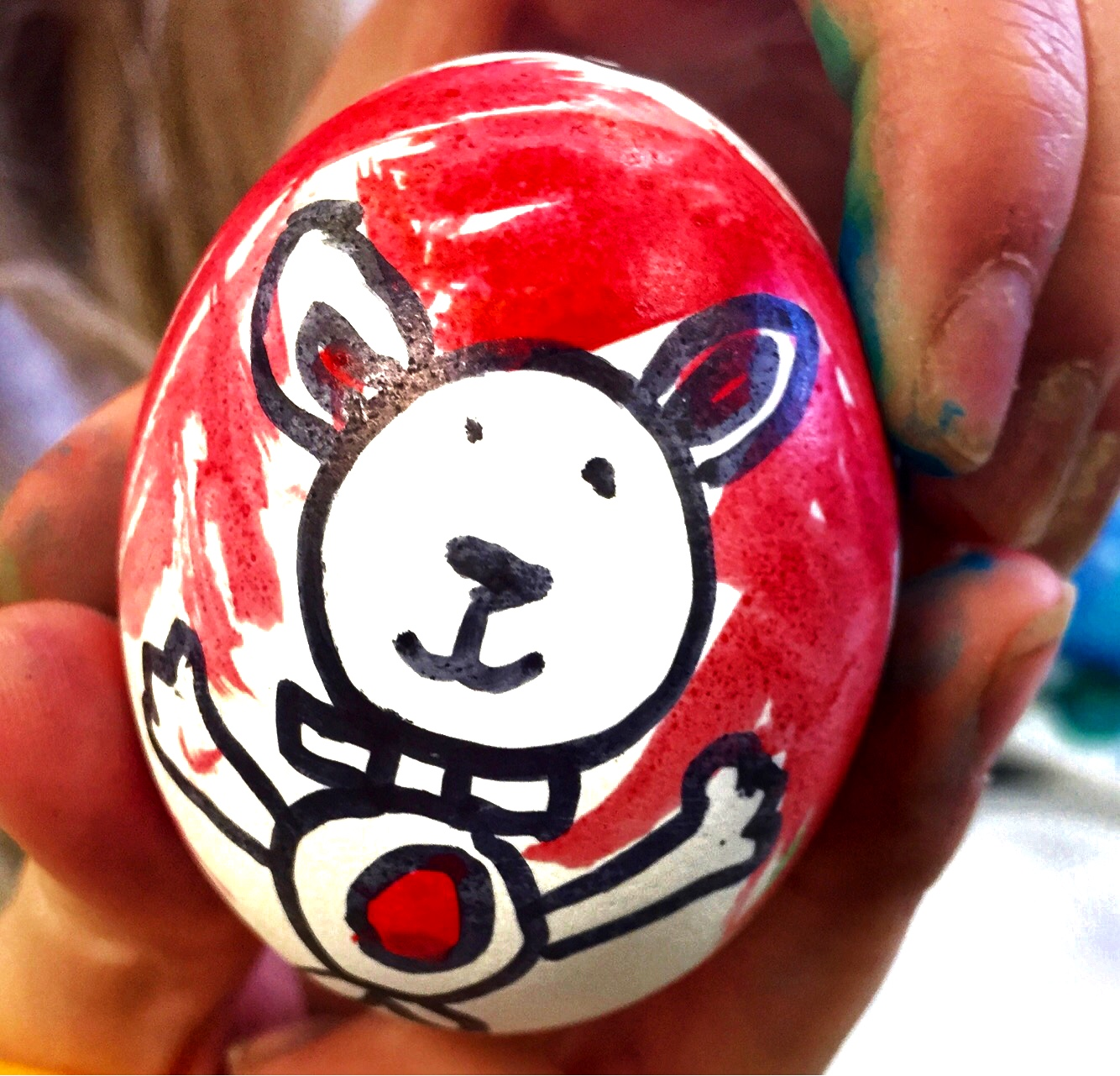 Coloring eggs with kids